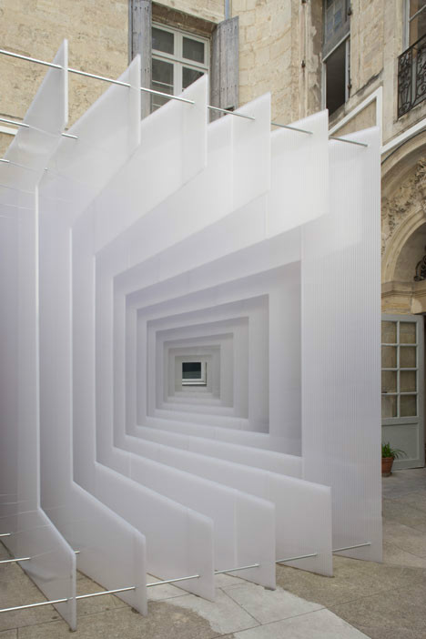 Arch2O-Pixel-–Paul-Scales-Atelier-Kit's-Reframe-Installation-004.jpg