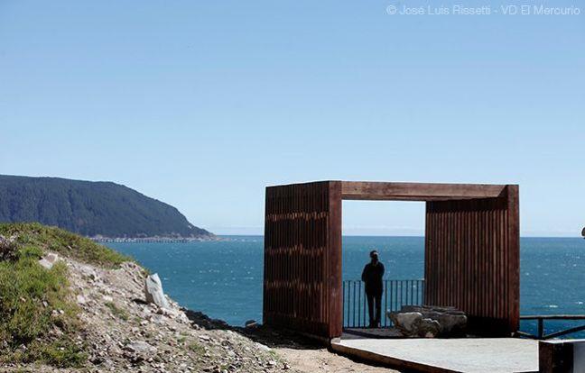 Elelental - Tourist Promenade.jpg
